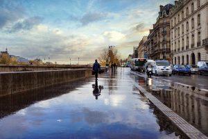 paris travel 300x200 - Du lịch – nên là nhu cầu về con người hơn là nhu cầu địa điểm